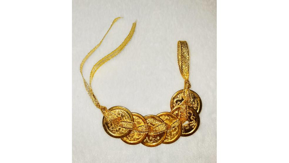 Шесть монет на золотой нити