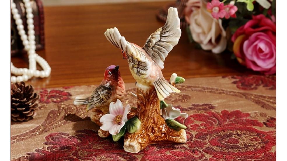 Пара птичек для усиления звезды романтики