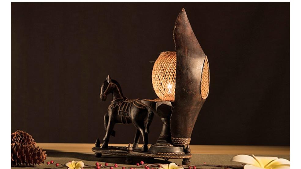 Декоративная лампа в тайском стиле Лошадь